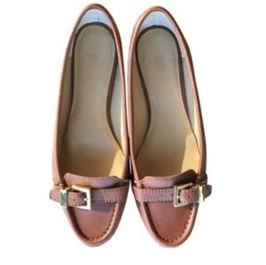 Michael Kors sz 8 brown leather loafers w/buckle